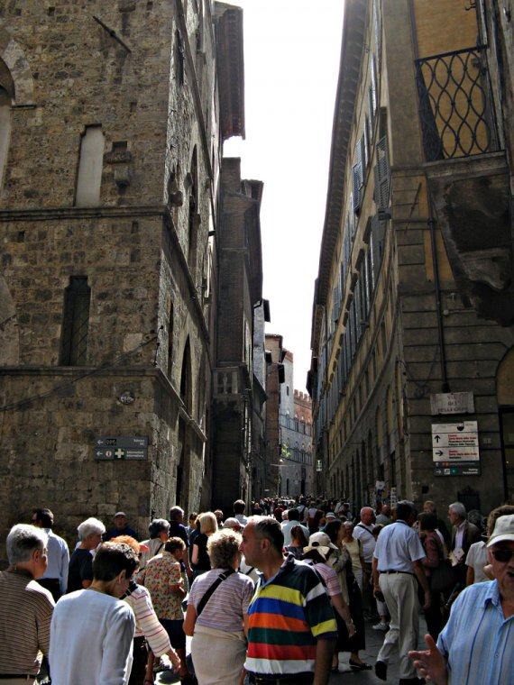 The crowded center of Siena
